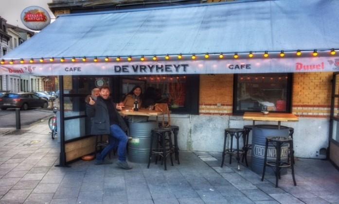 Café De Vryheyt op de Troonplaats op Antwerpen Zuid