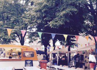 Markt van Morgen in de Kloosterstraat in Antwerpen Zuid