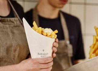 Frietjes bij Baraque friture op Antwerpen Zuid